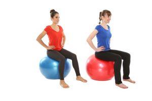 Oefeningen op de bal voor corestability bij bijv rugpijn